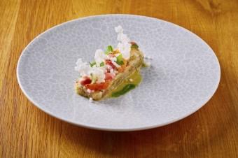 krevetový tartar s citrusy a omáčkou s yuzu, vinný bar Lodecká 4, Grand Cru Restaurant & Bar