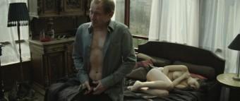 Drama Bez doteku, režisér Matěj Chlupáček - Menhouse.eu