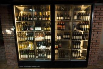 Chladicí vitríny a designové vinotéky společnosti CONTEG Cooling, La Casa Argentina