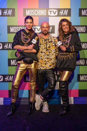Monika Marešová, Filip Vaněk a Dominique Fantaccino, Country Manager H&M pro Střední a Východní Evropu, všichni tři v kolekci MOSCHINO [tv] H&M