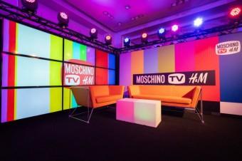 MOSCHINO [tv] H&M disco party v pražském Myslbeku