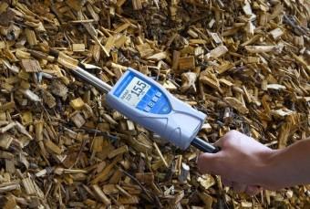 Humimeter BLL - zásuvný vlhkoměr dřevní štěpky, foto kredit: TCELE