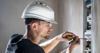 Jističe: chraňte se před výpadky proudu a ušetřete peníze, zdroj: Grigvovan / Shutterstock.com