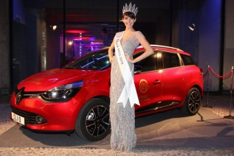 Česká Miss 2013 Gábina Kratochvílová se svým novým vozem