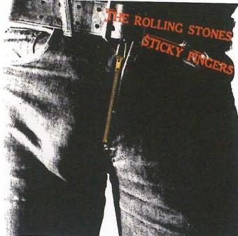 Obal desky Sticky Fingers kapely Rolling Stones, navrhl Andy Warhol roku 1971. Foto z knihy Budiž móda, Jana Máchalová.