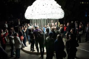 autoři C.Brown a W.Garett, instalace Cloud, Foto: Mitch Kern