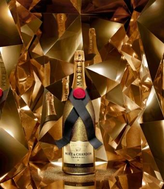 Moët & Chandon zahaluje Vánoce do zlatého hávu