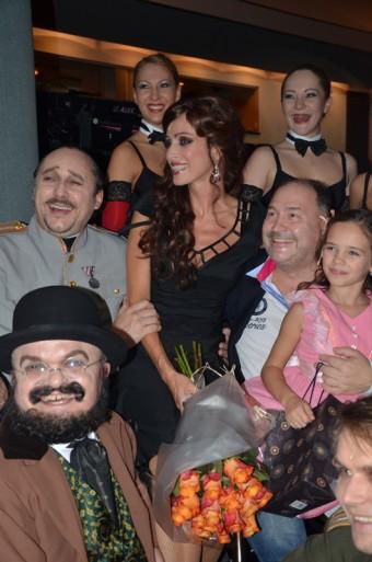 Michal David s účinkujícími na premiéře Mata Hari