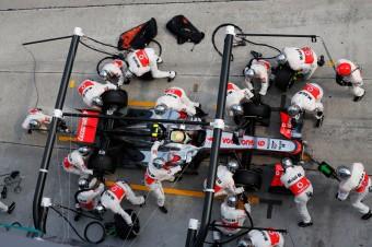 Sergio Perez v zastávce v boxu, Foto: McLaren