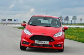 Časopis TopGear vyhlásil Ford Fiesta ST autem roku 2013