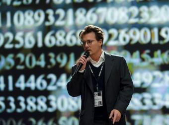 Johnny Depp překročí v Transcendence všechny hranice